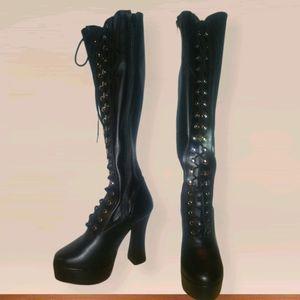 Black Pleaser Platform Boots NWOT size 7